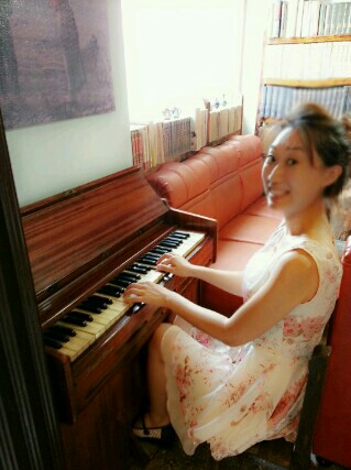 Michelle playing the piano