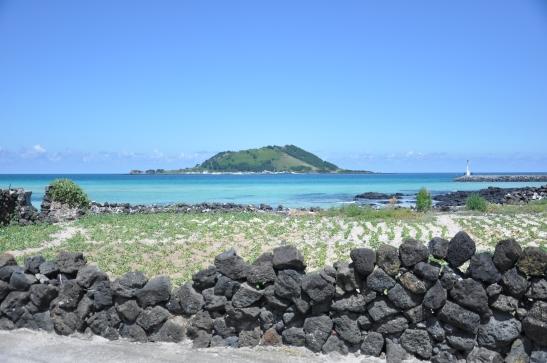 Rock wall and Island - Hyeopjae Beach