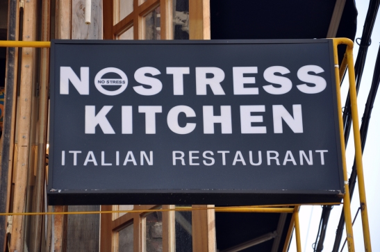 (10) No Stress Kitchen Logo