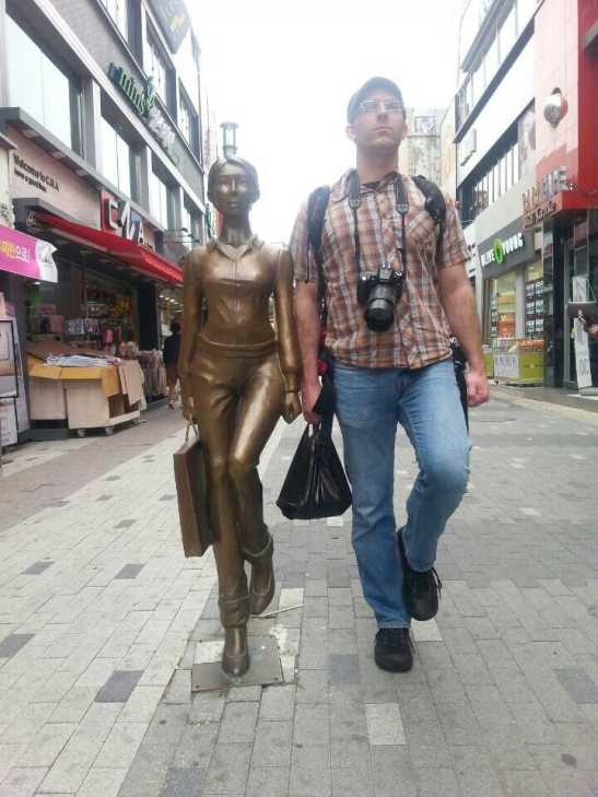 (11) Shopping statue - Andong, South Korea