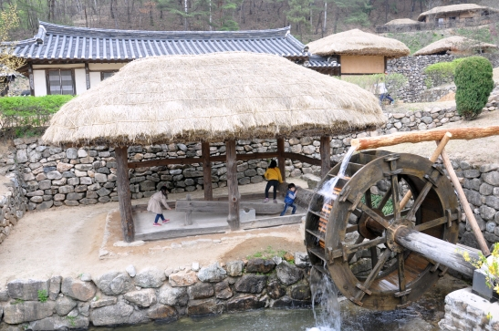 (28) Andong Folk Village