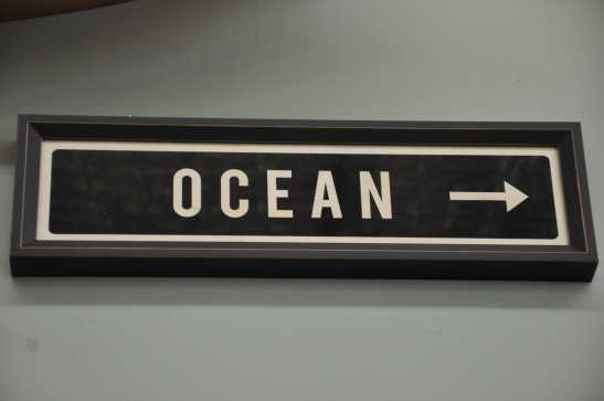 (17) Ocean sign
